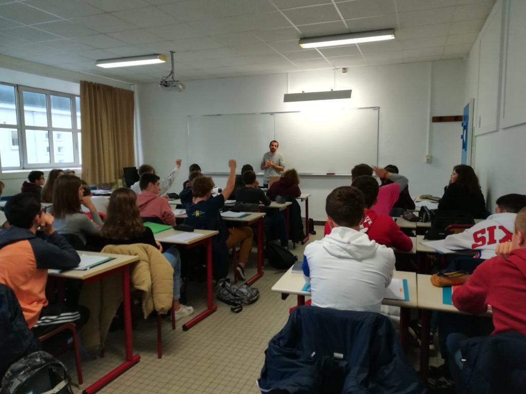 Lurlure au lycée Dumont D'Urville, Caen